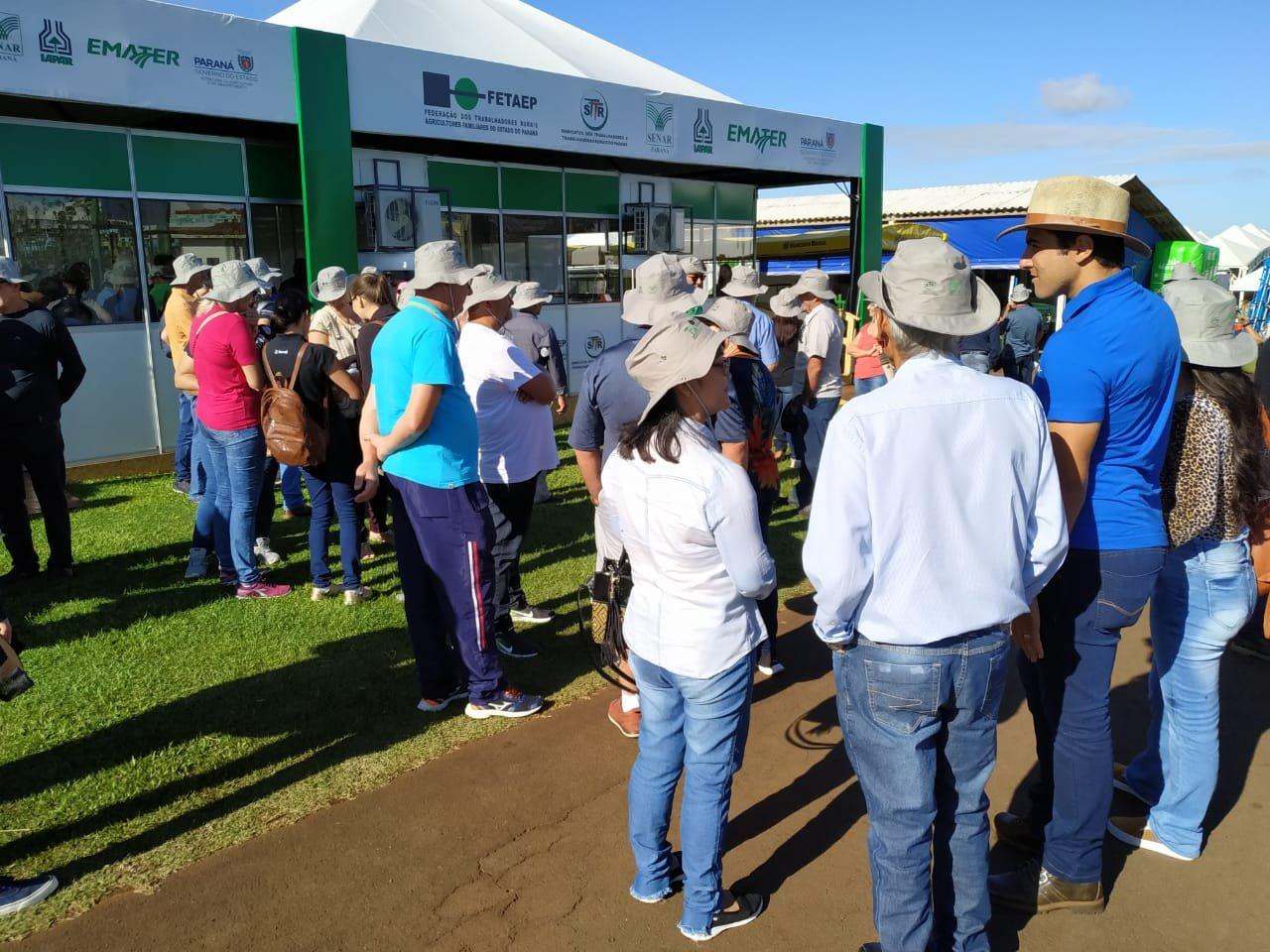 Capa foto FETAEP recebe caravanas de agricultores familiares no Show Rural Coopavel