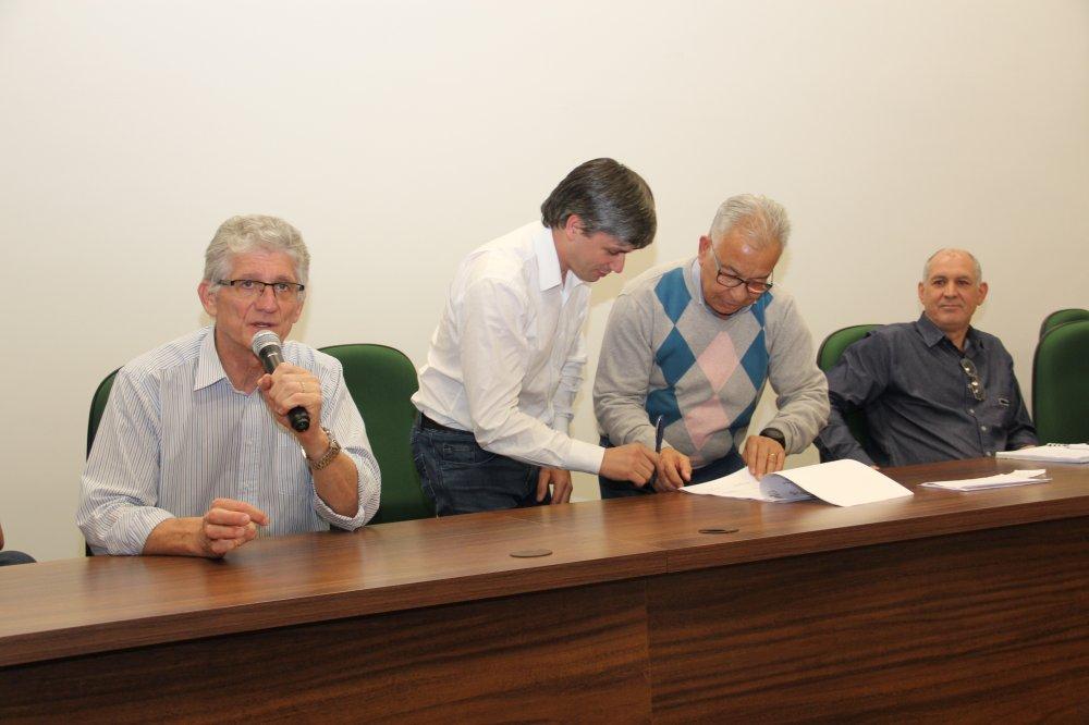Capa foto O Paraná está pronto para ser Área Livre de Febre Aftosa Sem Vacinação